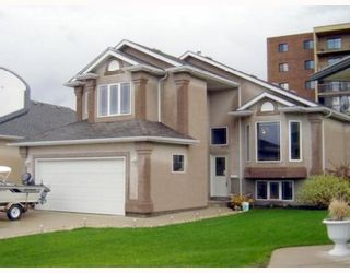 Photo 1: 71 AMANDA Crescent in WINNIPEG: West Kildonan / Garden City Residential for sale (North West Winnipeg)  : MLS®# 2910316
