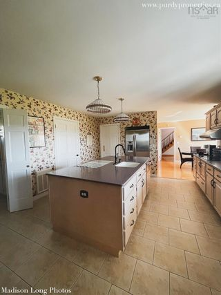 Photo 5: 190 Collins Road in Port Williams: 404-Kings County Residential for sale (Annapolis Valley)  : MLS®# 202125102