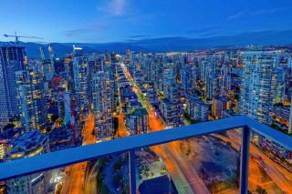 "Photo 20: 5203 1480 HOWE Street in Vancouver: Yaletown Condo for sale in ""VANCOUVER HOUSE"" (Vancouver West)  : MLS®# R2528347"