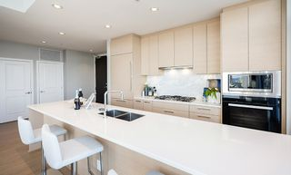 """Photo 8: 3805 6700 DUNBLANE Avenue in Burnaby: Metrotown Condo for sale in """"Vittorio by Polygon"""" (Burnaby South)  : MLS®# R2558469"""