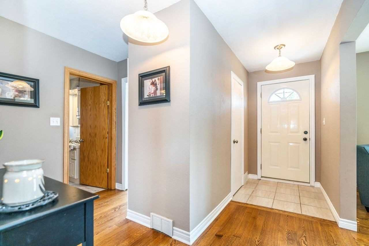 Photo 15: Photos: 26 East Lawn Street in Oshawa: Donevan House (Bungalow) for sale : MLS®# E4818284