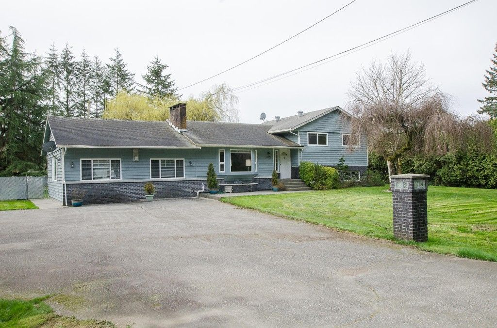 Photo 1: Photos: 24700 50 Avenue in Langley: Salmon River House for sale