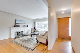 """Photo 5: 4635 BOND Street in Burnaby: Forest Glen BS House for sale in """"Forest Glen Area"""" (Burnaby South)  : MLS®# R2346683"""