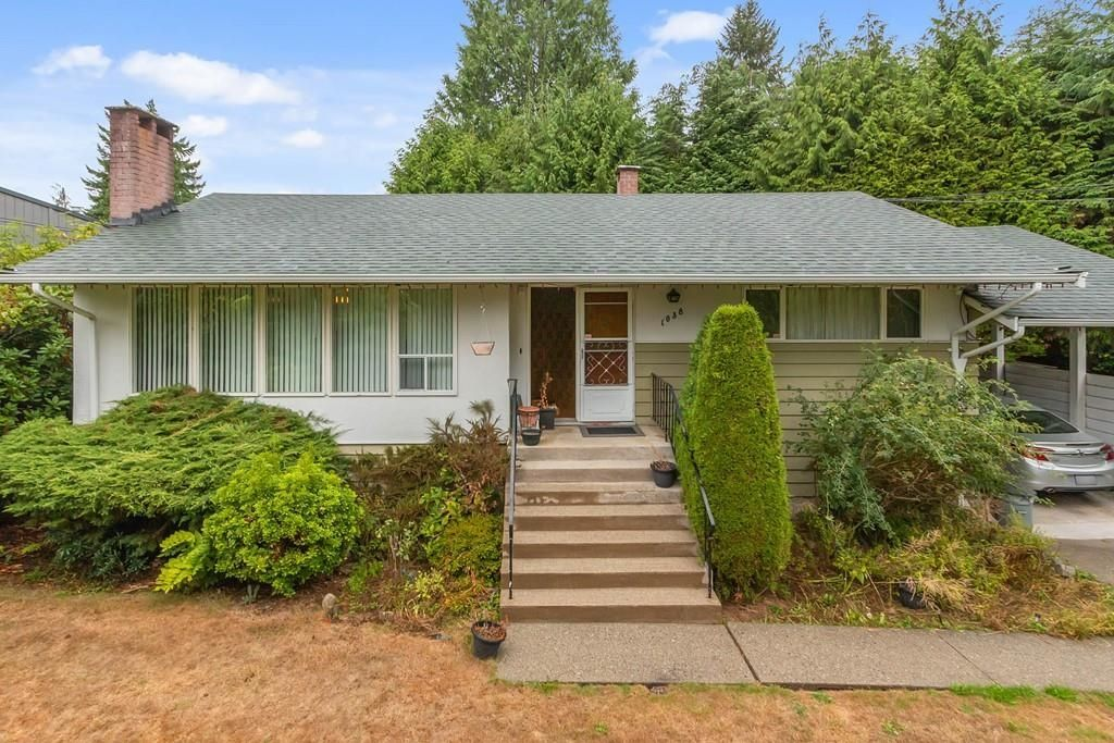 Photo 2: Photos: 1038 MARIGOLD Avenue in North Vancouver: Canyon Heights NV House for sale : MLS®# R2577593