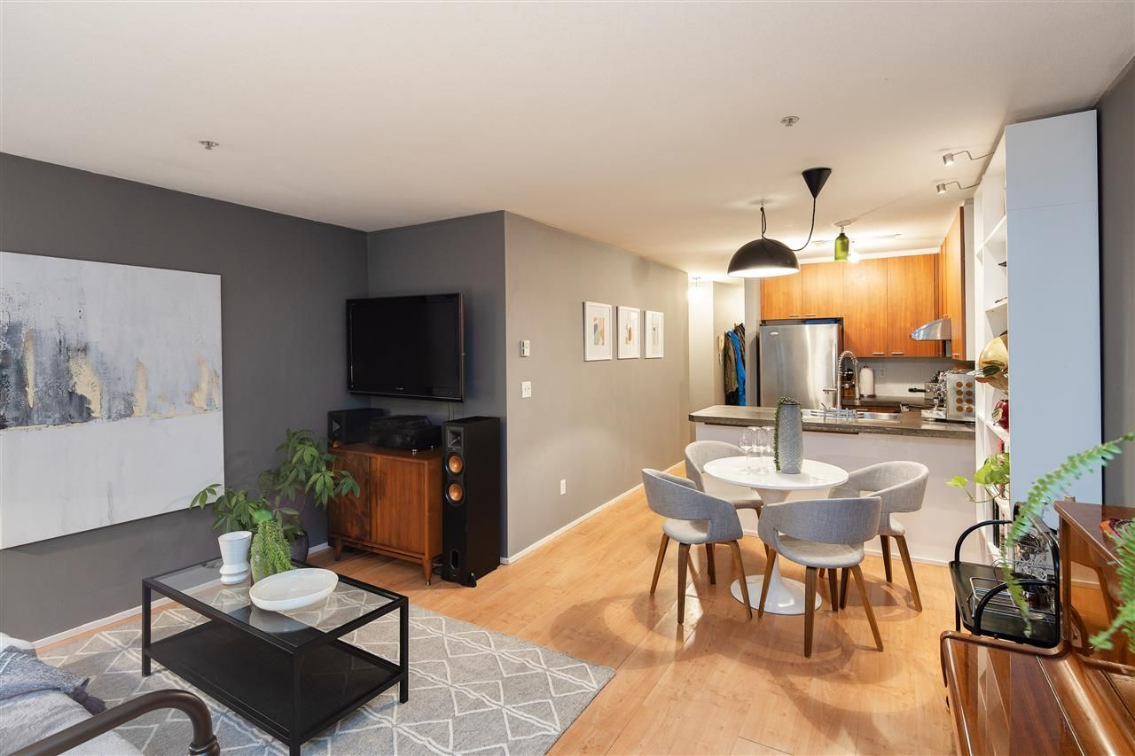 """Photo 5: Photos: 102 788 E 8TH Avenue in Vancouver: Mount Pleasant VE Condo for sale in """"Chelsea Court"""" (Vancouver East)  : MLS®# R2515993"""