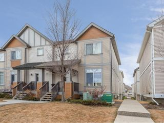 Photo 1: 31 300 EVANSCREEK Court NW in Calgary: Evanston Row/Townhouse for sale : MLS®# C4226867