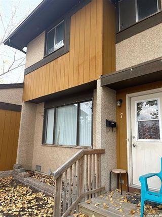 Photo 2: 7 Mackenzie Way in Regina: Glencairn Residential for sale : MLS®# SK873629