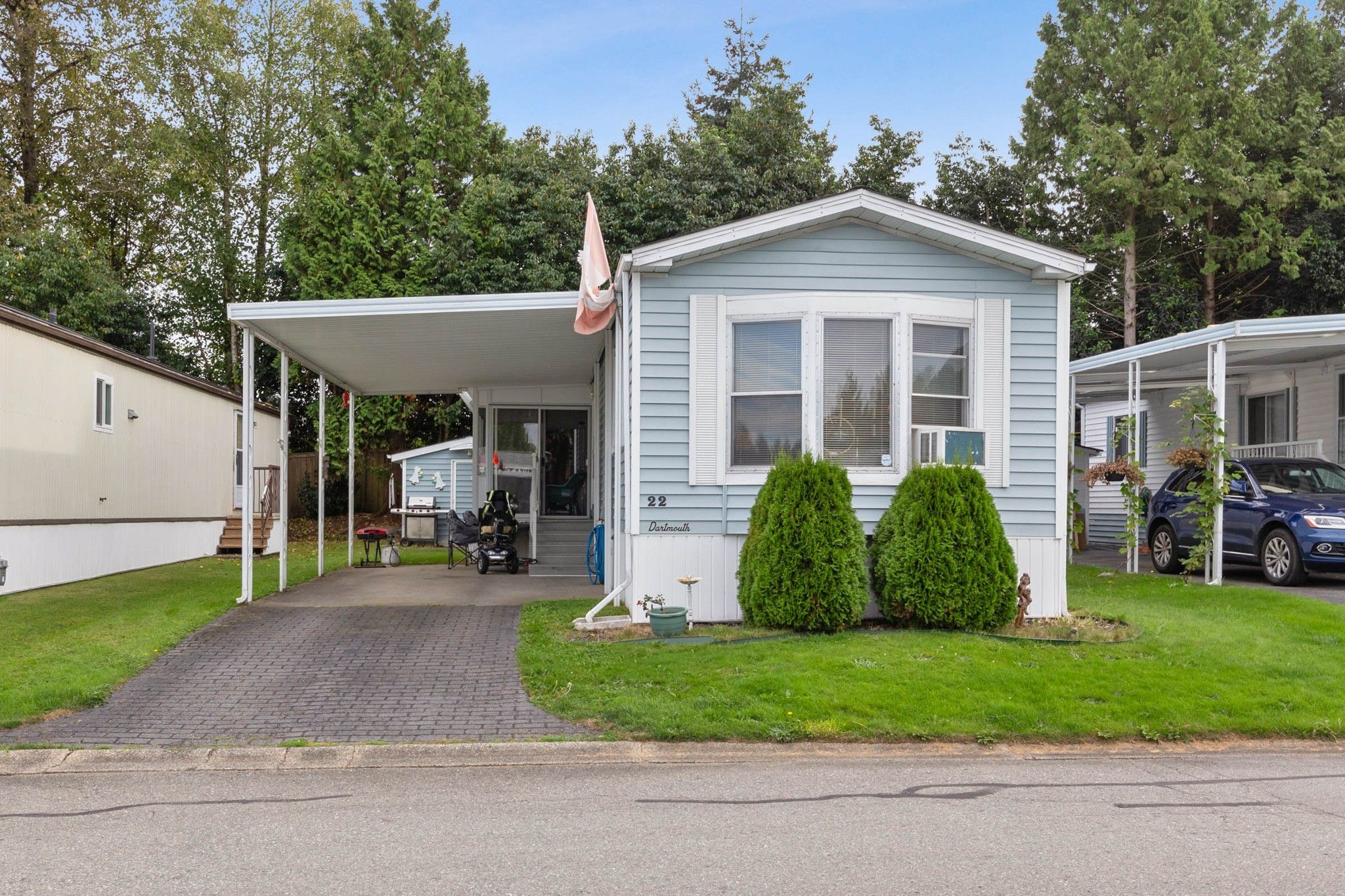 Main Photo: 22 13507 81 Avenue in Surrey: Queen Mary Park Surrey Manufactured Home for sale : MLS®# R2499572
