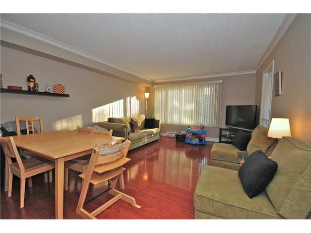 """Main Photo: 307 1060 E BROADWAY in Vancouver: Mount Pleasant VE Condo for sale in """"MARINER MEWS"""" (Vancouver East)  : MLS®# V856791"""