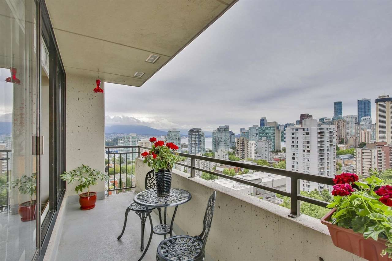 """Main Photo: 1802 1816 HARO Street in Vancouver: West End VW Condo for sale in """"HUNTINGTON PLACE"""" (Vancouver West)  : MLS®# R2191378"""