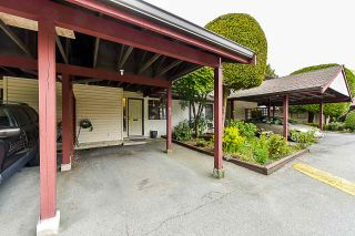 """Photo 1: 93 13880 74 Avenue in Surrey: East Newton Townhouse for sale in """"Wedgewood Estates"""" : MLS®# R2366650"""