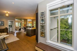"Photo 3: 305 15175 36 Avenue in Surrey: Morgan Creek Condo for sale in ""Edgewater"" (South Surrey White Rock)  : MLS®# R2039054"