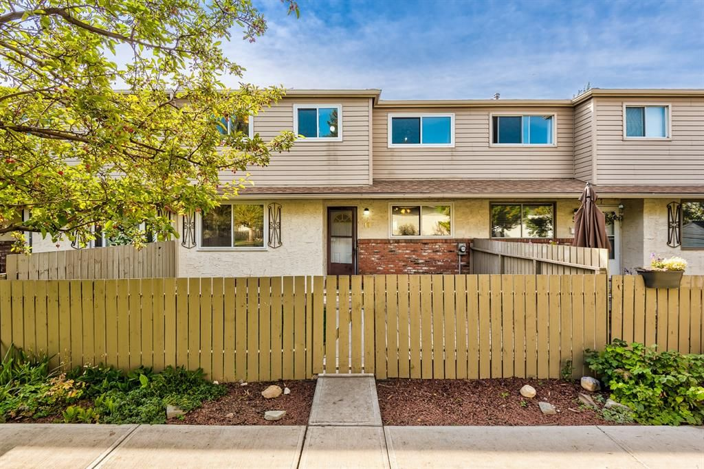 Main Photo: 49N 203 Lynnview Road SE in Calgary: Ogden Row/Townhouse for sale : MLS®# A1143699