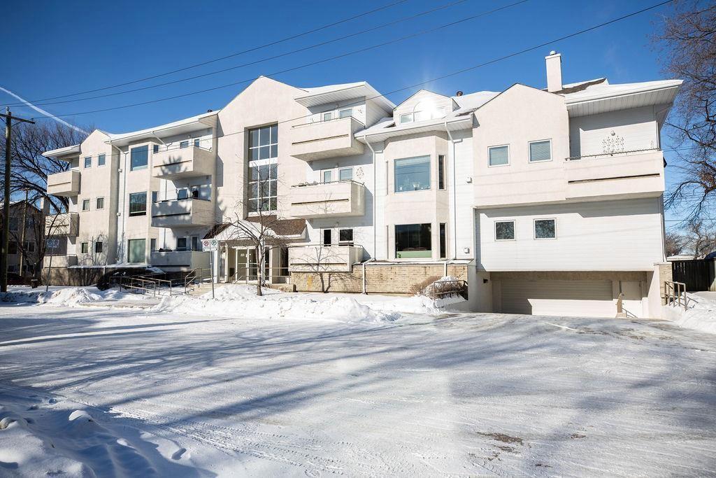 Main Photo: 101 223 Masson Street in Winnipeg: St Boniface Condominium for sale (2A)  : MLS®# 202101303