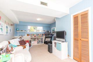 Photo 22: 15500 OXENHAM Avenue: White Rock House for sale (South Surrey White Rock)  : MLS®# R2620472
