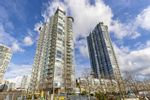 """Main Photo: 1007 1067 MARINASIDE Crescent in Vancouver: Yaletown Condo for sale in """"QUAY WEST"""" (Vancouver West)  : MLS®# R2539975"""