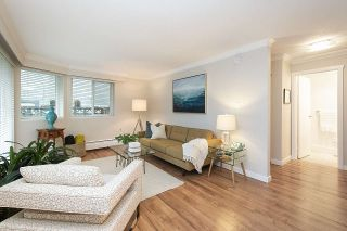 "Photo 2: 102 2335 YORK Avenue in Vancouver: Kitsilano Condo for sale in ""YORKDALE VILLA"" (Vancouver West)  : MLS®# R2541644"