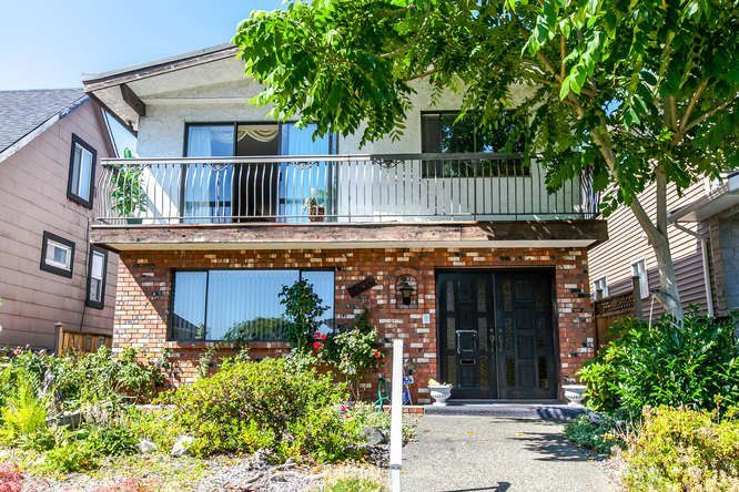 Main Photo: 3855 PARKER Street in Burnaby: Willingdon Heights House for sale (Burnaby North)  : MLS®# R2085817