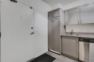 Photo 4: 604 30 Brentwood Common NW in Calgary: Brentwood Apartment for sale : MLS®# A1066602
