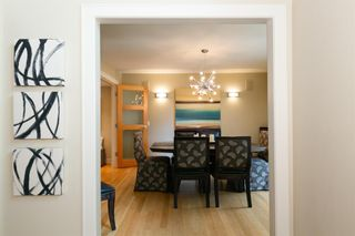 Photo 5: 332 Pump Hill Gardens SW in Calgary: Pump Hill Detached for sale : MLS®# A1067569