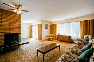 """Photo 4: 3636 DALEBRIGHT Drive in Burnaby: Government Road House for sale in """"Government Road Area"""" (Burnaby North)  : MLS®# R2500214"""