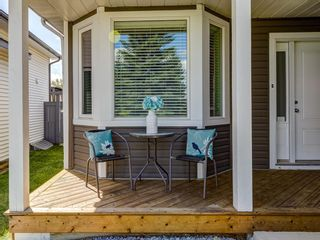 Photo 2: 111 RIVERVALLEY Drive SE in Calgary: Riverbend Detached for sale : MLS®# A1027799