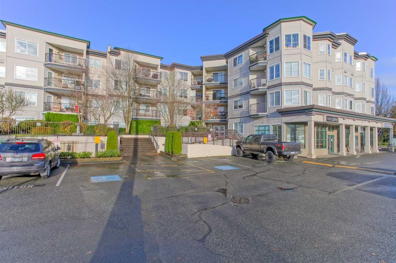 Main Photo: 210 5765 GLOVER ROAD in : Langley City Condo for sale : MLS®# R2123120