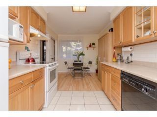 Photo 2: 62 13990 74TH AVENUE in Surrey: East Newton Townhouse for sale : MLS®# R2015151