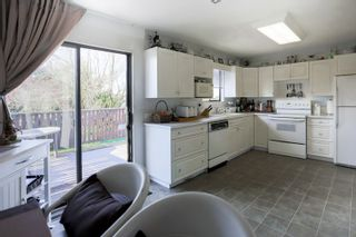 Photo 9: 6345 SUNDANCE Drive in Surrey: Cloverdale BC House for sale (Cloverdale)  : MLS®# R2037775