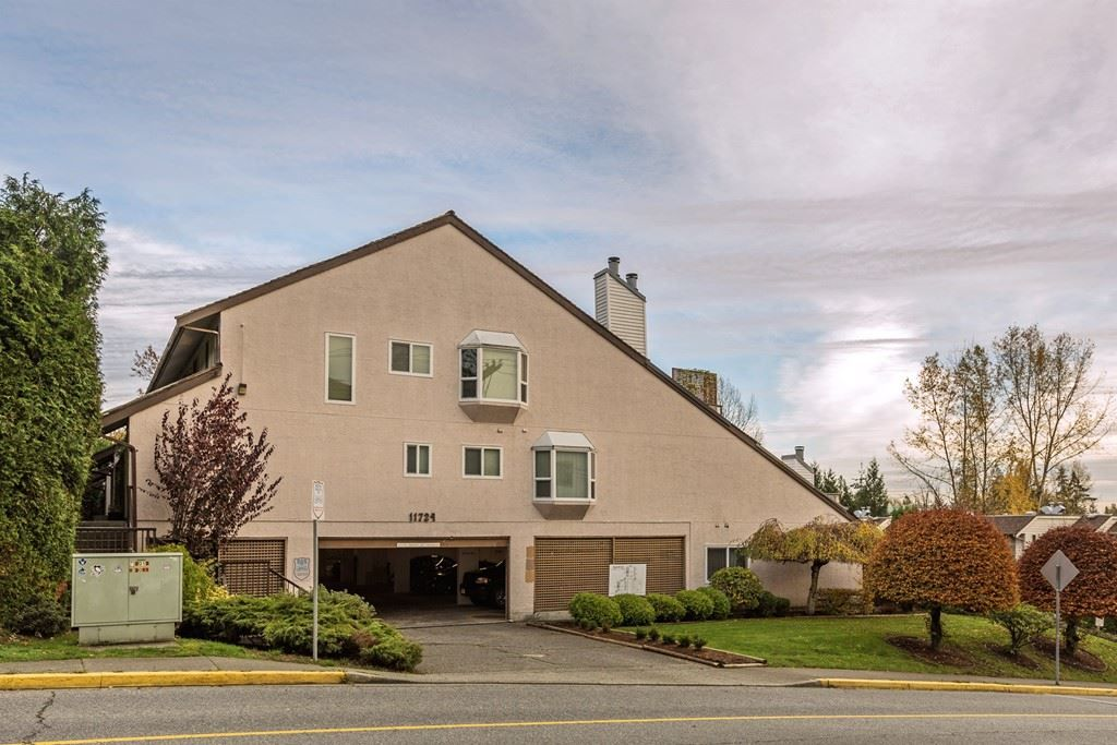 Main Photo: 302 11724 225 Street in Maple Ridge: East Central Townhouse for sale : MLS®# R2122541