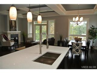 Photo 2: 3650 Coleman Pl in VICTORIA: Co Latoria House for sale (Colwood)  : MLS®# 653447