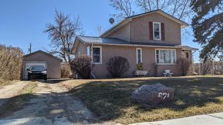 Main Photo: 621 1 Street S: Vulcan Detached for sale : MLS®# A1094587