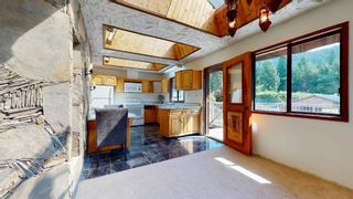 Photo 10: 41772 GOVERNMENT Road in Squamish: Brackendale House for sale : MLS®# R2603967