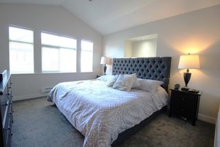 """Photo 8: 99 19932 70 Avenue in Langley: Willoughby Heights Townhouse for sale in """"Summerwood"""" : MLS®# R2342649"""