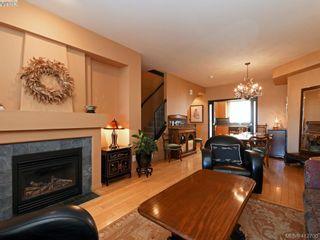Photo 5: 13 60 Dallas Rd in VICTORIA: Vi James Bay Row/Townhouse for sale (Victoria)  : MLS®# 818335