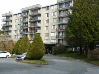 """Photo 1: 306 9320 PARKSVILLE Drive in Richmond: Boyd Park Condo for sale in """"MASTERS GREEN"""" : MLS®# R2545941"""