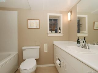 Photo 19: 453 Moss St in VICTORIA: Vi Fairfield West House for sale (Victoria)  : MLS®# 806984