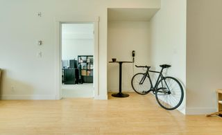 """Photo 16: 315 33538 MARSHALL Road in Abbotsford: Central Abbotsford Condo for sale in """"The Crossing"""" : MLS®# R2569081"""