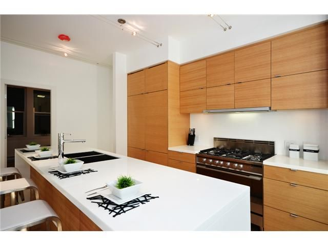 """Main Photo: 1562 COMOX ST in Vancouver: West End VW Condo for sale in """"C & C"""" (Vancouver West)  : MLS®# V908972"""
