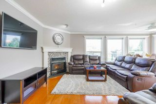 Photo 2: 405 33718 KING Road: Condo for sale in Abbotsford: MLS®# R2592983