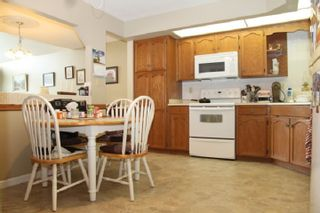 """Photo 2: 305 31930 OLD YALE Road in Abbotsford: Abbotsford West Condo for sale in """"Royal Court"""" : MLS®# R2544140"""