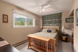 """Photo 15: 1 39752 GOVERNMENT Road in Squamish: Northyards Townhouse for sale in """"Mountain View Manor"""" : MLS®# R2509017"""