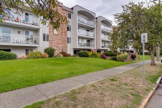 Photo 31: 104 1040 Rockland Ave in Victoria: Vi Downtown Condo for sale : MLS®# 887045