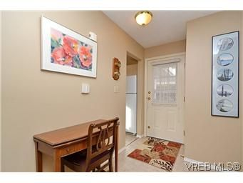 Photo 4: Photos: 3 10045 Fifth St in SIDNEY: Si Sidney North-East Row/Townhouse for sale (Sidney)  : MLS®# 595091