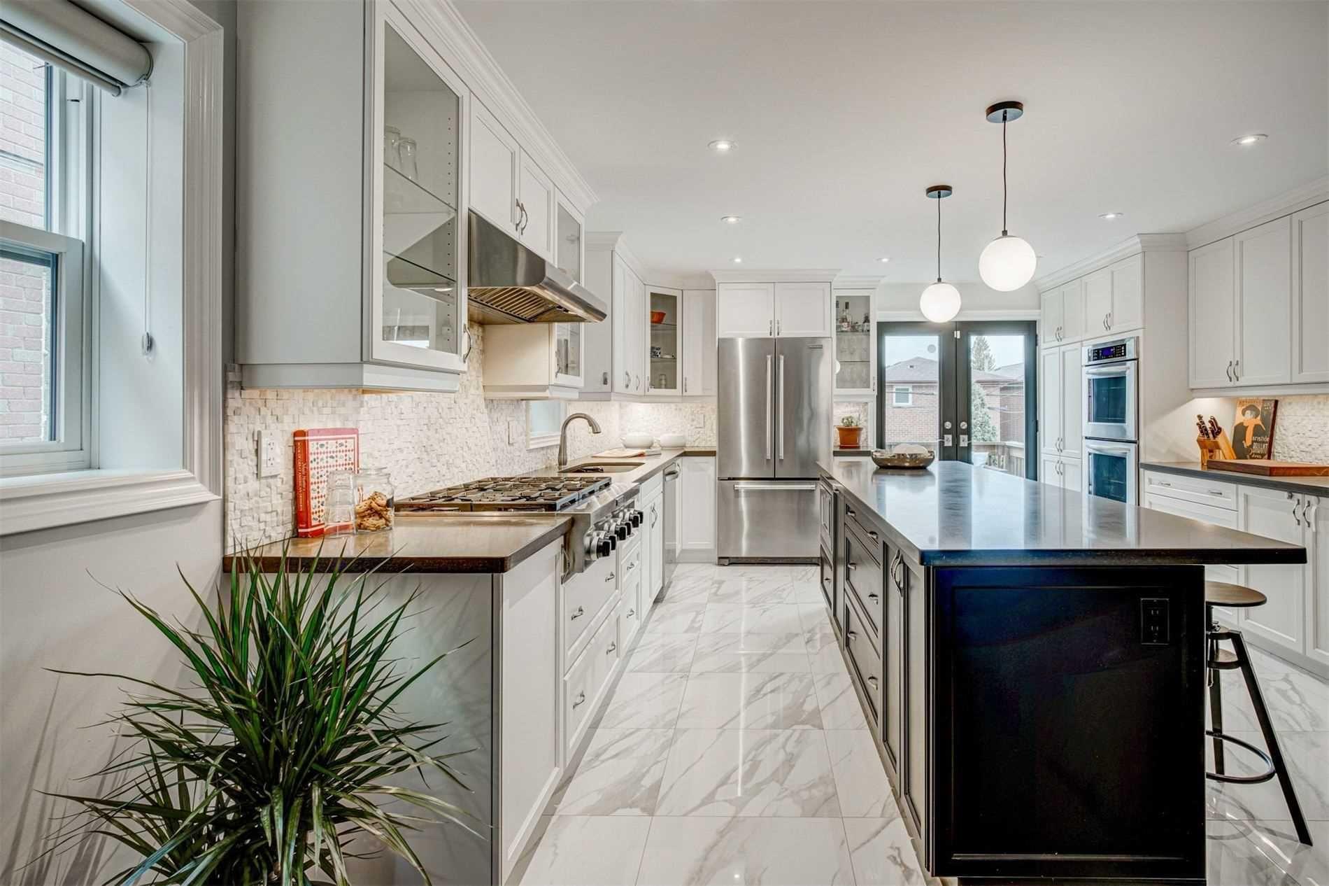 Photo 11: Photos: 92 Holborne Avenue in Toronto: Danforth Village-East York House (2-Storey) for sale (Toronto E03)  : MLS®# E5204452