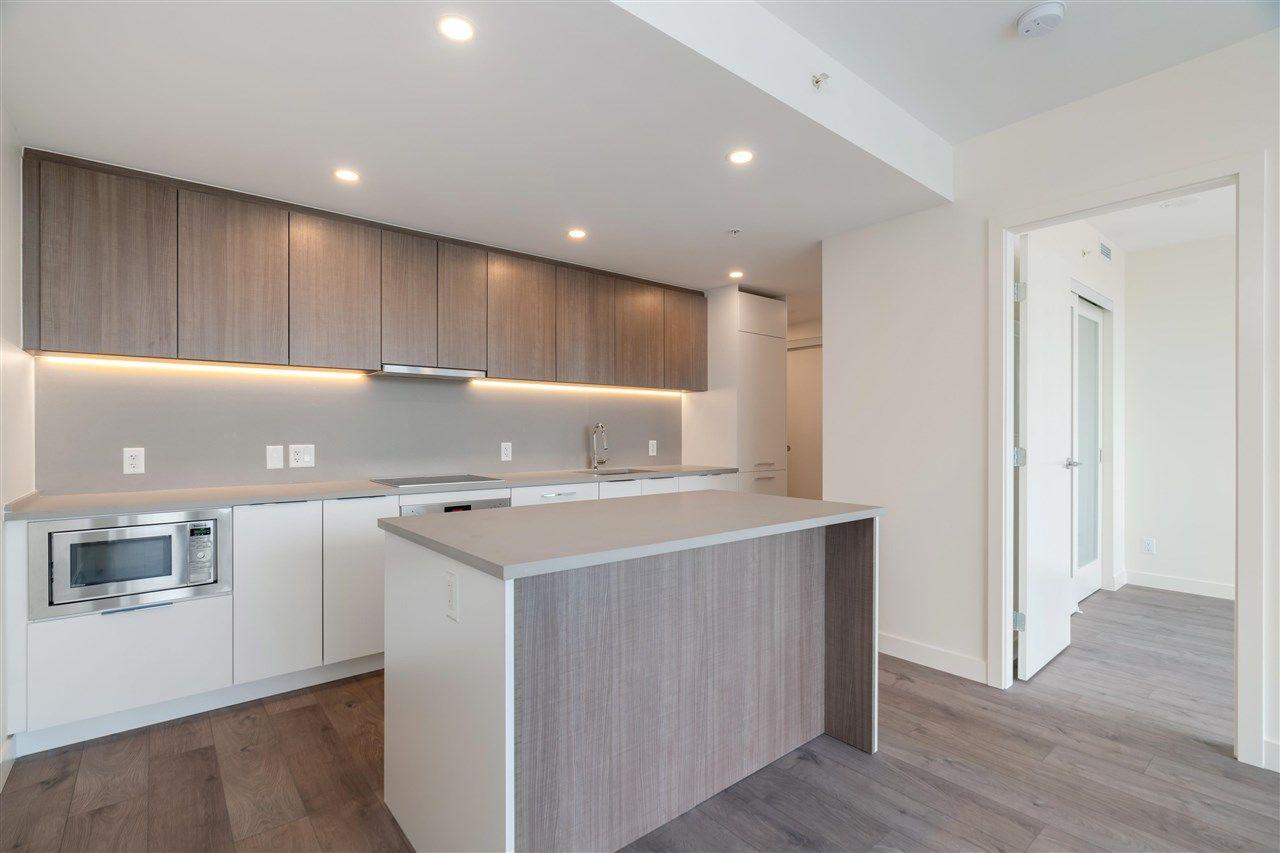 """Main Photo: 609 13318 104 Avenue in Surrey: Whalley Condo for sale in """"LINEA"""" (North Surrey)  : MLS®# R2591735"""