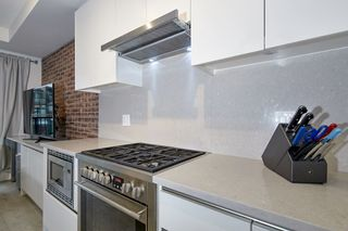 "Photo 17: 303 2141 E HASTINGS Street in Vancouver: Hastings Sunrise Condo for sale in ""The Oxford"" (Vancouver East)  : MLS®# R2431561"