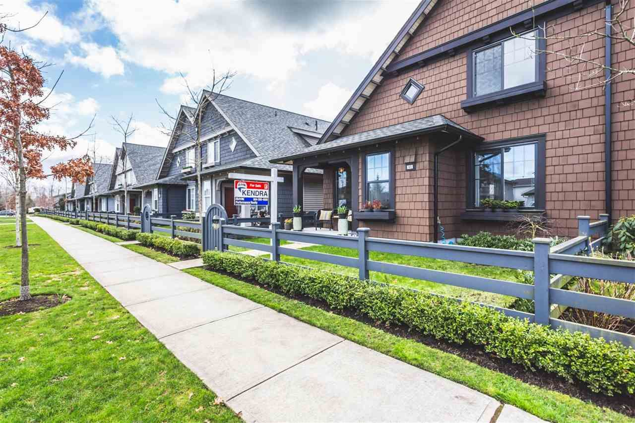"""Main Photo: 95 6450 187 Street in Surrey: Cloverdale BC Townhouse for sale in """"Hillcrest"""" (Cloverdale)  : MLS®# R2150316"""