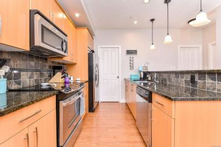 Photo 8: 422 623 Treanor Ave in Langford: La Thetis Heights Condo for sale : MLS®# 863979