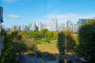 """Photo 30: 410 181 W 1ST Avenue in Vancouver: False Creek Condo for sale in """"The Brook"""" (Vancouver West)  : MLS®# R2614809"""